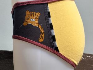 Kitty Trio Yellow: medium undies made from Tshirts